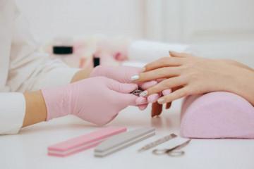 jak-odzyskac-zdrowe-paznokcie-w-warunkach-domowych